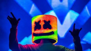 Photo of Kelsey Calemine reveals Marshmello's face for Valentine's Day