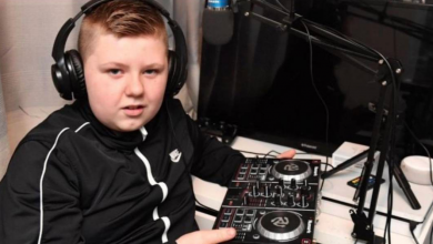 Photo of Twelve-year-old guy organizes a rave party in his school's bathroom